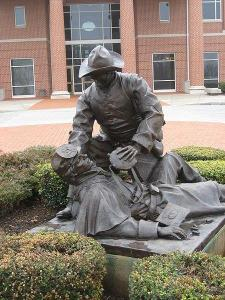 Sgt. Richard Kirkland, 2d SC Infantry, statue, Moment of Mercy, tends to wounded